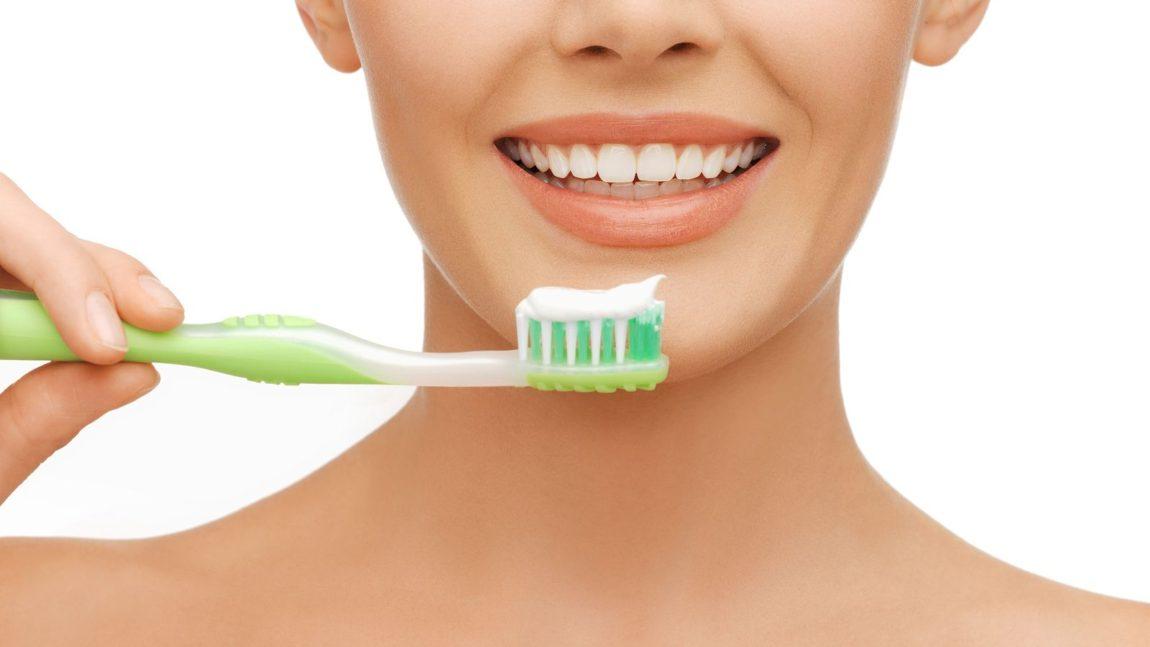 Video: Γρήγορες οδηγίες για το βούρτσισμα των δοντιών
